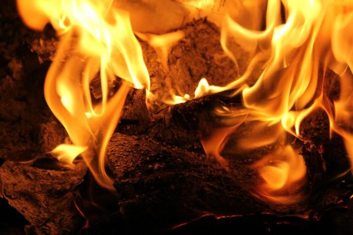 fire-490688_1920