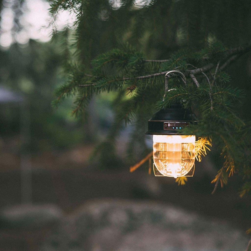 テント内に吊り下げる小型のLEDランタン!!フック、カラビナ付きがおすすめ!!