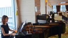 Pianist at the Shangri-La