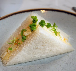 Traditional egg sandwich, chives