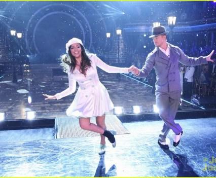 Novas Celebridades. YouTubers. Bethany Mota. em Dancing with the Stars com Derek Hough