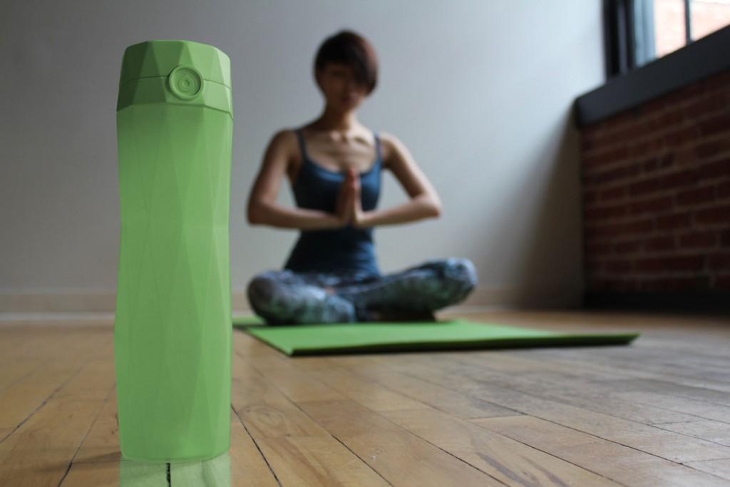 HidrateMe, uma garrafa d'água inteligente