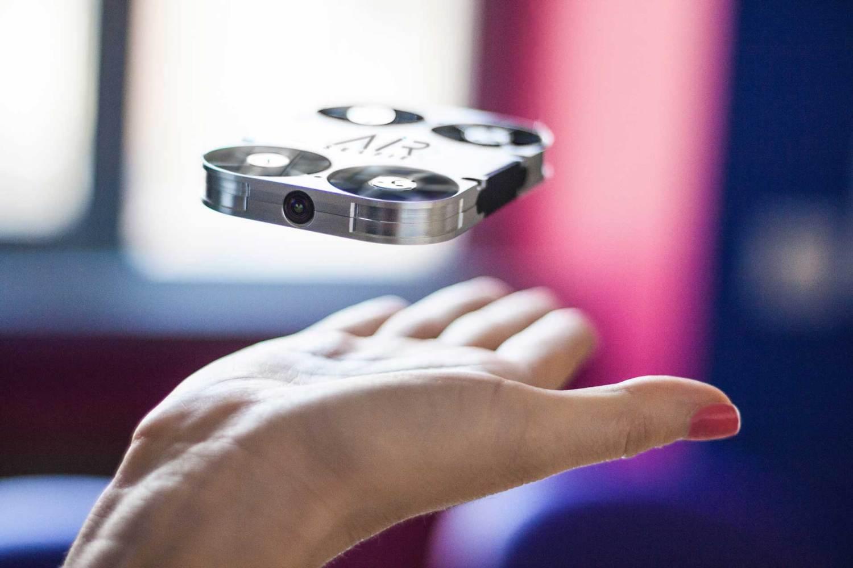 Drones: AirSelfie, a mais pequena câmara voadora.