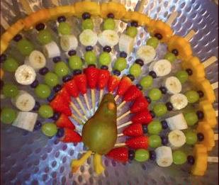 Wonderbaar Gezond trakteren #2: een pauw van fruit - High Teeth GI-75