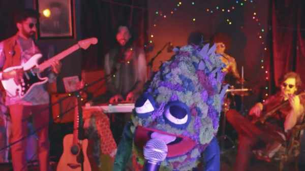 'Workaholics' Creator's Band Debuts Pot-Friendly Video on HTTV