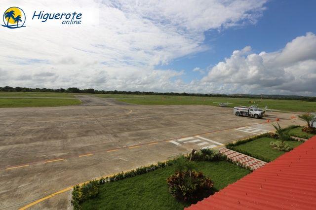 aeropuerto_terraza_1__higueroteonline