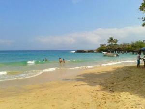 Playa Caracolito_higueroteonline