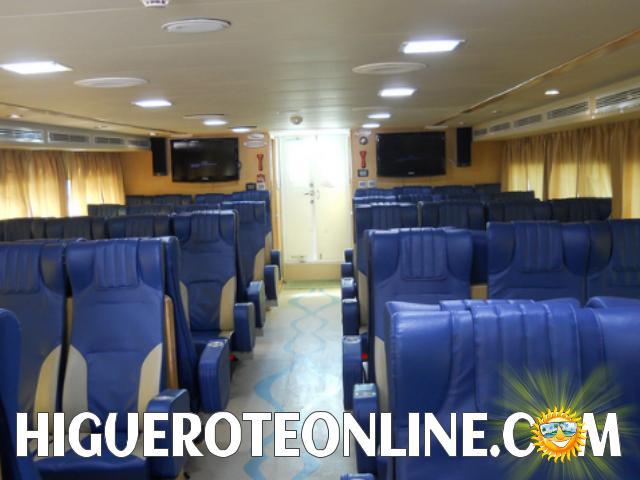 viaje-a-la-isla-de-la-tortuga-en-el-catamaran-cat-express-e-higueroteonline