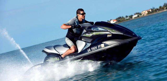 La polémica de las motos de agua si son o no son un peligro en nuestras playas