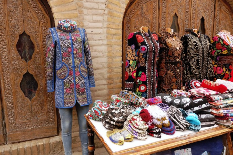 But the souvenirs are nice, mostly in good taste and reasonably priced. And I want the blue coat!