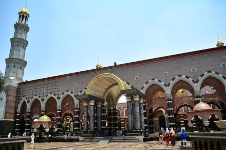 masjid di bagian akhwat