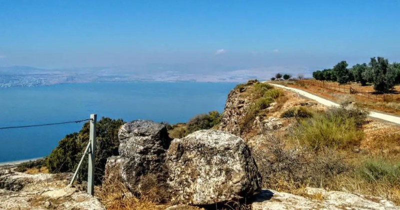 Scenic road trip around the sea of Galilee