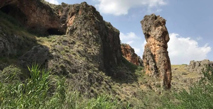 "The Pillar (""Amud"") at Nahal Amud"