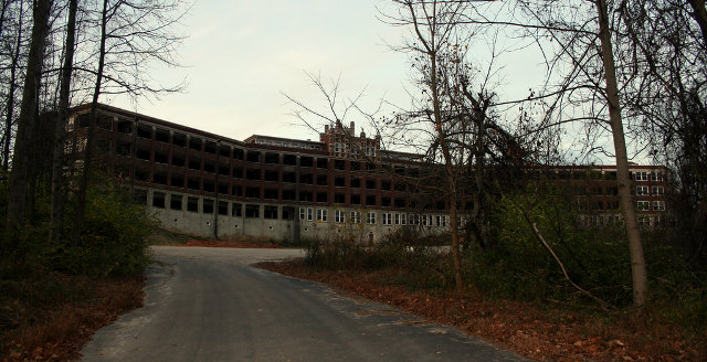 The Most Haunted Places in the World (2/6)