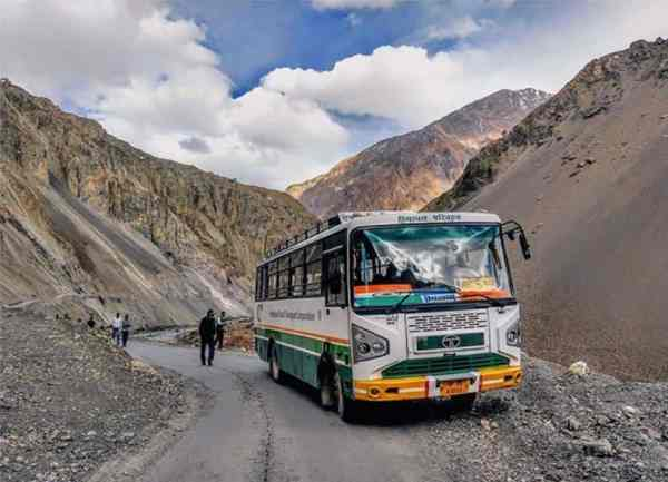 spiti-valley-Kaza-hrtc-bus-Hikesdaddy