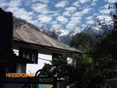 Alanis-Guest-House-Kasol-Hikesdaddy-1.jpg