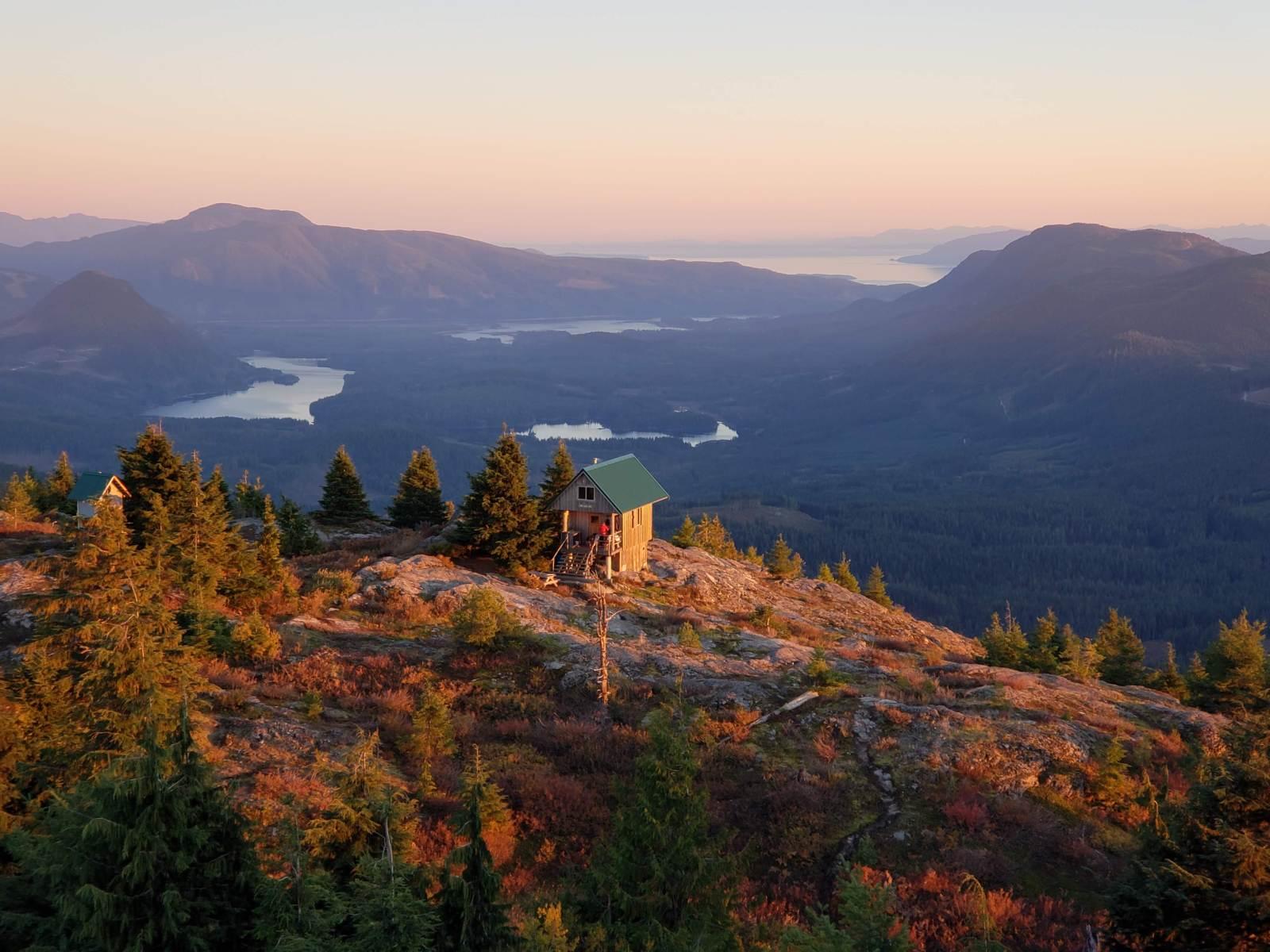 tin hat hut, tin hat cabin, backcountry huts bc, free camping bc, sunshine coast trail, bc backcountry shelters