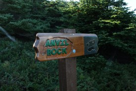 The trailmarker at Anvil Rock.