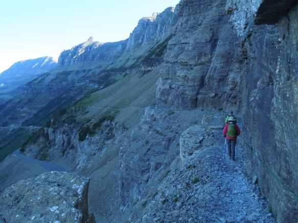 walking highline trail