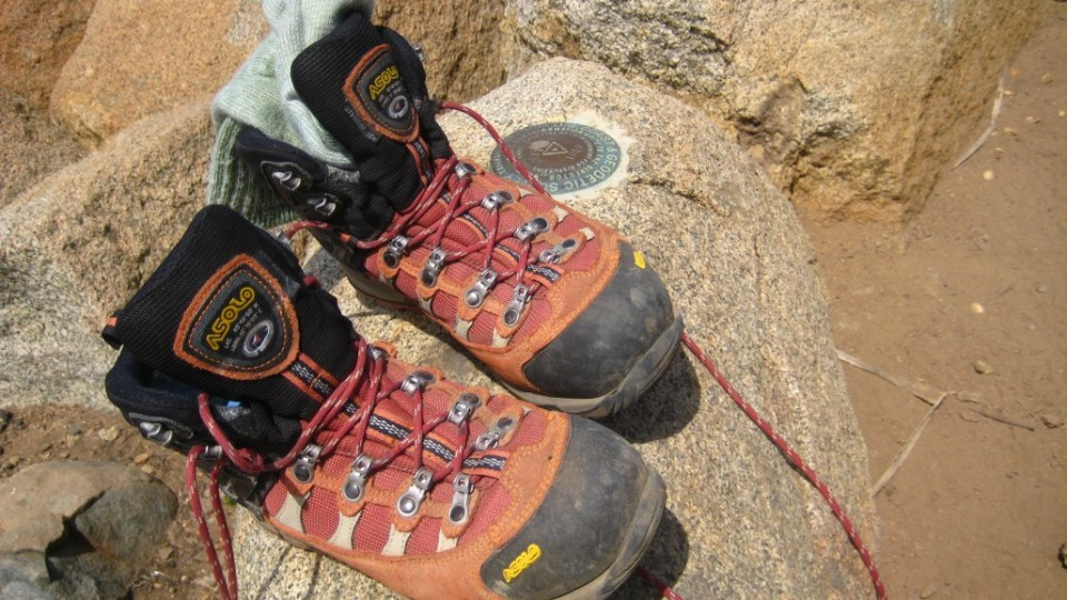 Hiking Lady's Footwear Reviews