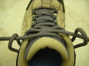 hiking boots for narrow feet