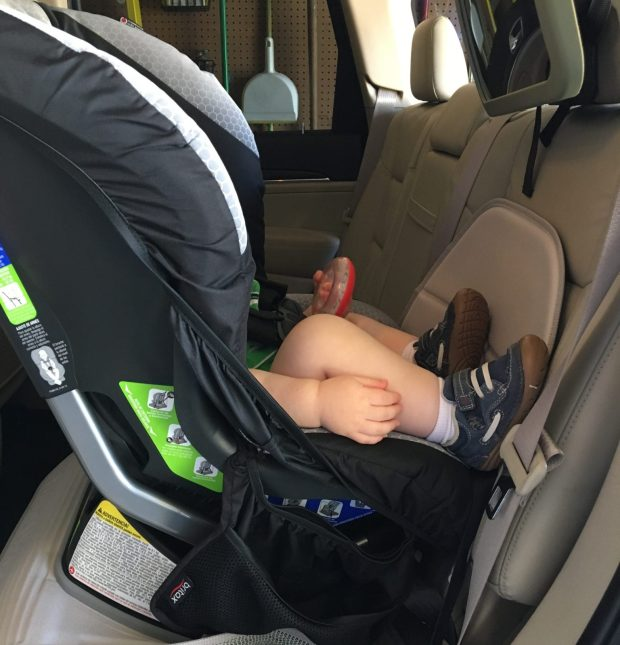 Hiking Baby not able to see out with the Britax Roundabout XE 6.1 car seat
