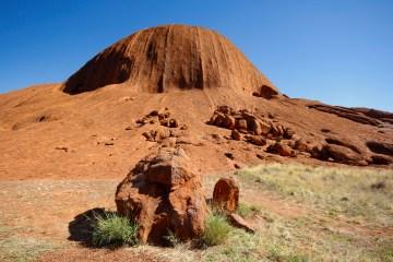 mg 2202 lr Uluru Base Walk