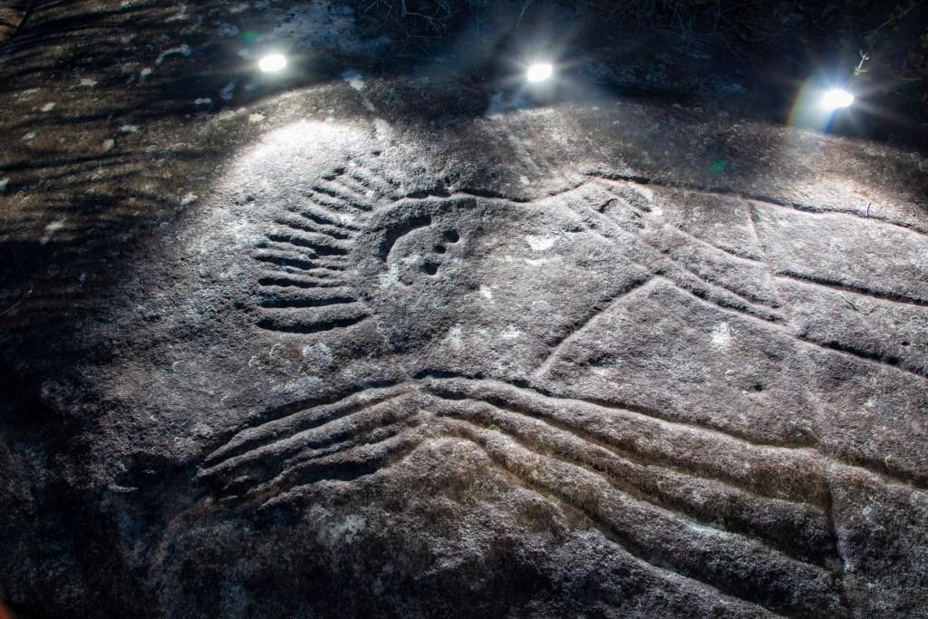 AWAT1159 LR Photographing Aboriginal rock art