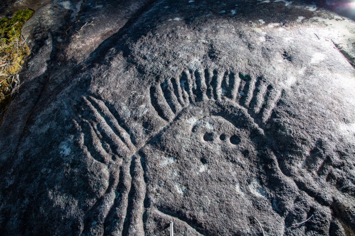 AWAT1199 LR Photographing Aboriginal rock art