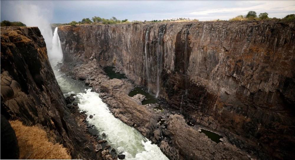 vicfalls zambia dry Victoria Falls (Mosi-oa-Tunya)