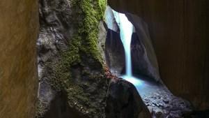 DSC02555 LR Waterfalls Search