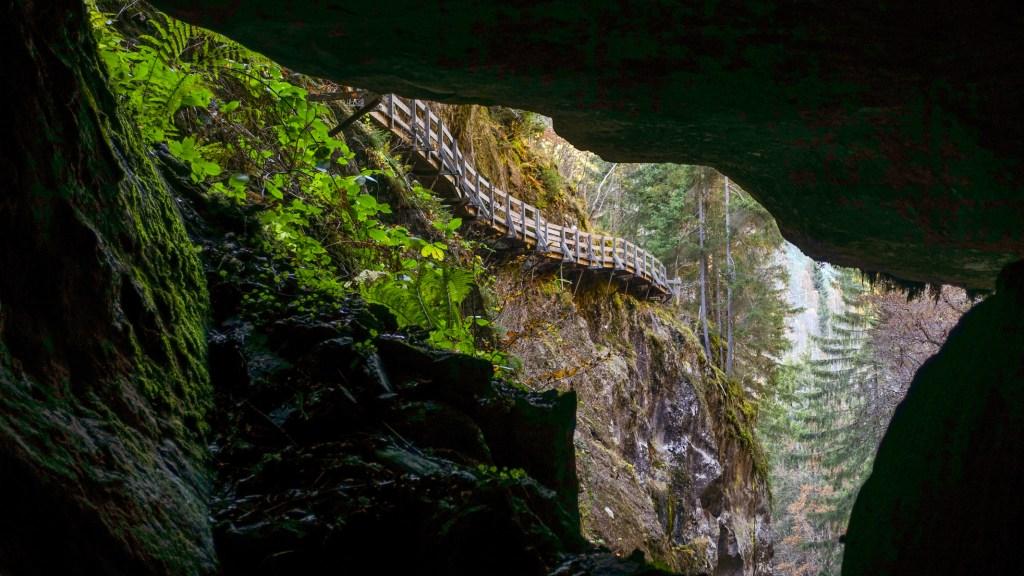 Grottes des Nymphes  in Les Gorges Mystérieuses de la Tête-Noire