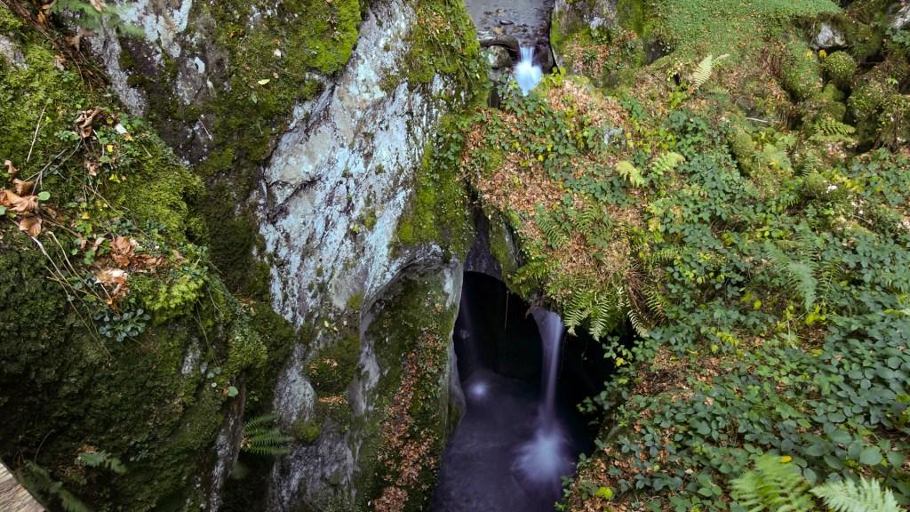 DSC02571 LR Waterfalls of Les Gorges Mystérieuses