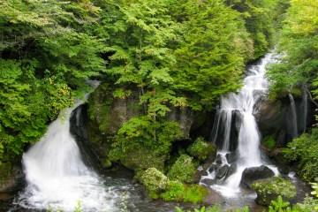 IMG 0562 LR Ryuzu Waterfall (竜頭ノ滝, Ryūzu no Taki)