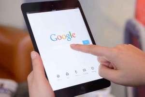 Google Arama'da Uygunsuz Tahminler Nasıl Bildirilir