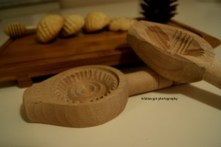 Tradational wooden molds with different shapes.