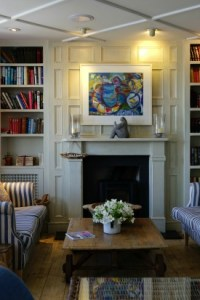 7 Things to Add to Your Living Room to Create a Haven