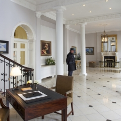 Merrion Hotel the_front_hall