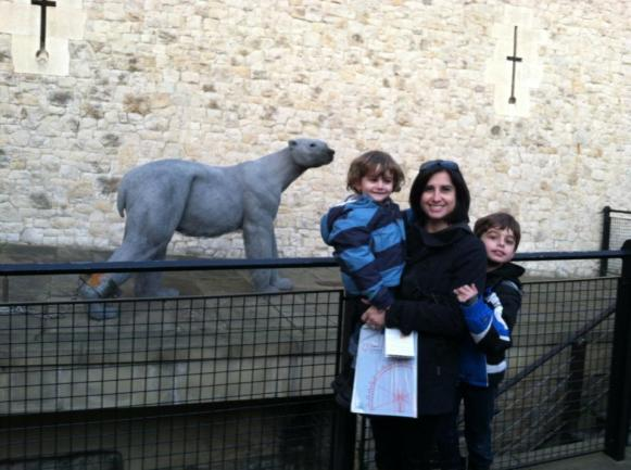 The polar bear who swam in the moat