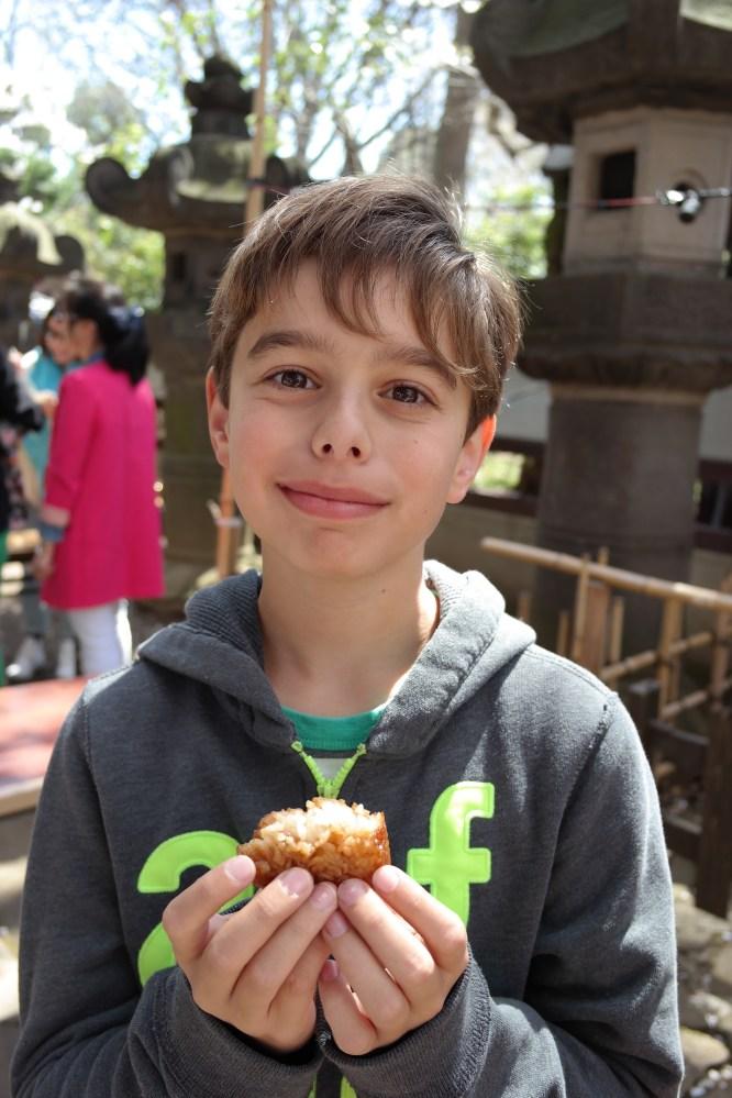 Simon loves onigiri