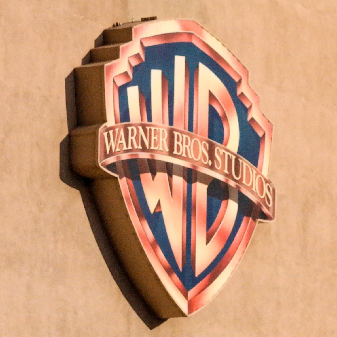 #warnerbrostour