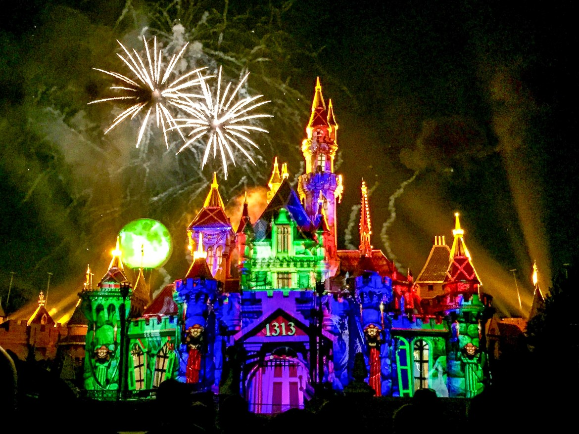 Disneyland Halloween Los Angeles California #disneyhalloweenfireworks