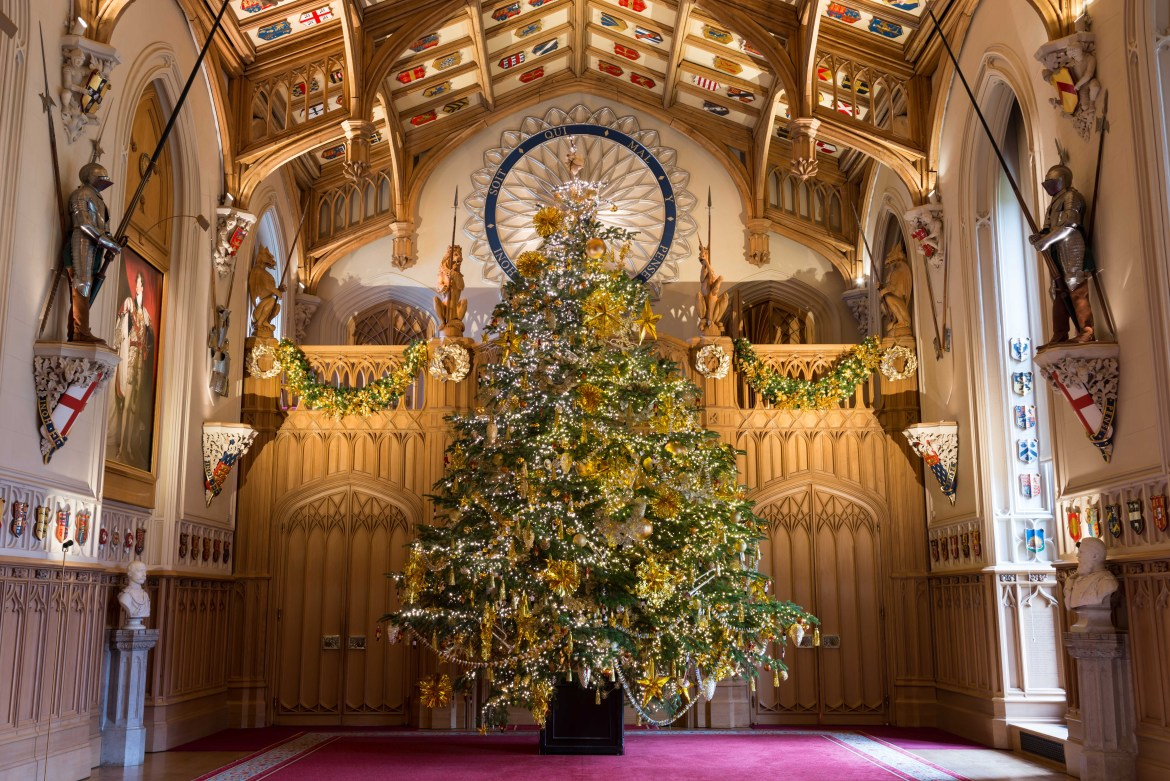 Christmas tree in St George's Hall, Windsor Castle Royal Collection Trust / (c) Her Majesty Queen Elizabeth II 2017