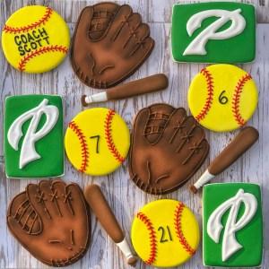 #cookieshilarystyle #softballcookies #paloalto #palysoftball #customcookies #sportscookies #athleticcookies
