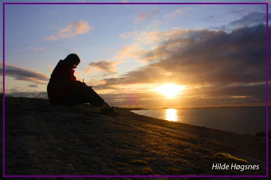 IMG_3932_forfatterspire_forfatter_forfatterliv_skrive_skriving_skrivelykke_novelleskriving_solnedgang