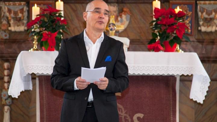 Superintendentin Katharina Henking führt Mathias Klein als neuen Prädikanten in Heersum ein
