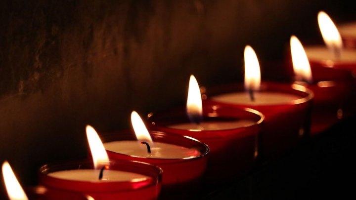 Andacht für Opfer des Zweiten Weltkrieges