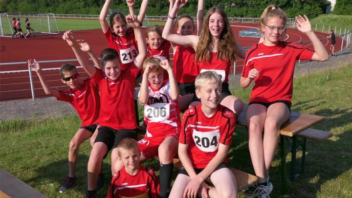 Kreismeisterschaften der Mittelstrecke: TKJ-ler sichern sich fünf Titel und werden sechsmal Vizemeister