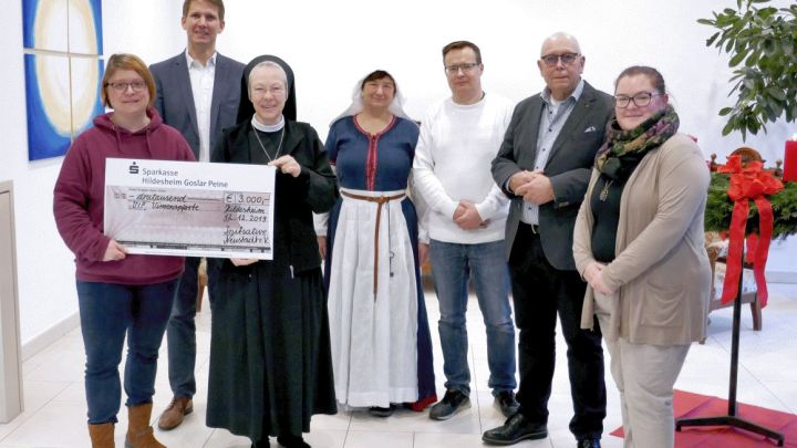 """Erlös des """"Tönniesfreter-Mahls"""" geht an die Vinzenzpforte: 3000 Euro für bedürftige Menschen"""