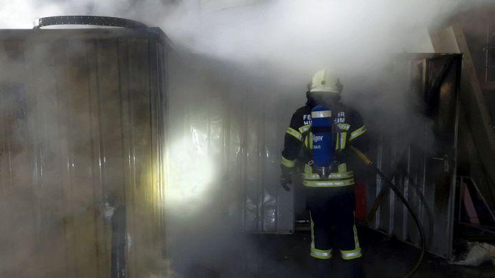 Container für Baumaterial brennen im Ostend